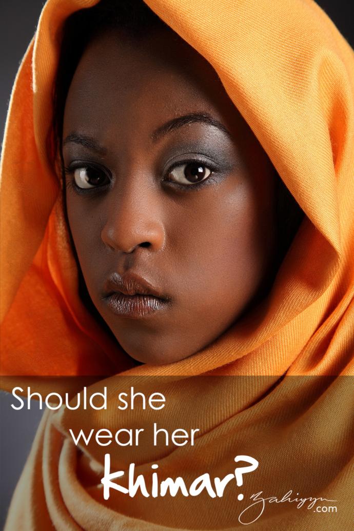 girl wearing khimar